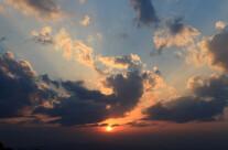 Raggi di sole tra le nuvole