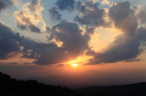 Raggi di sole tra le nuvole II